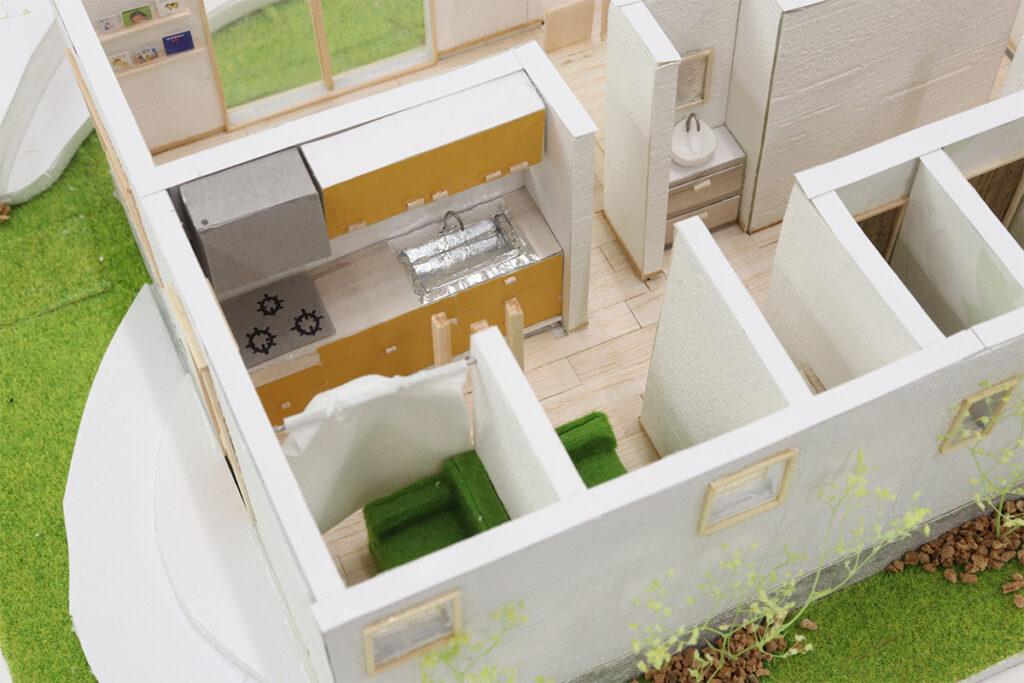 1F給湯室・授乳室:1F北側には最新のシステムキッチンを完備しました。ここを給湯室とし、そのまま授乳室へ行くことができます。