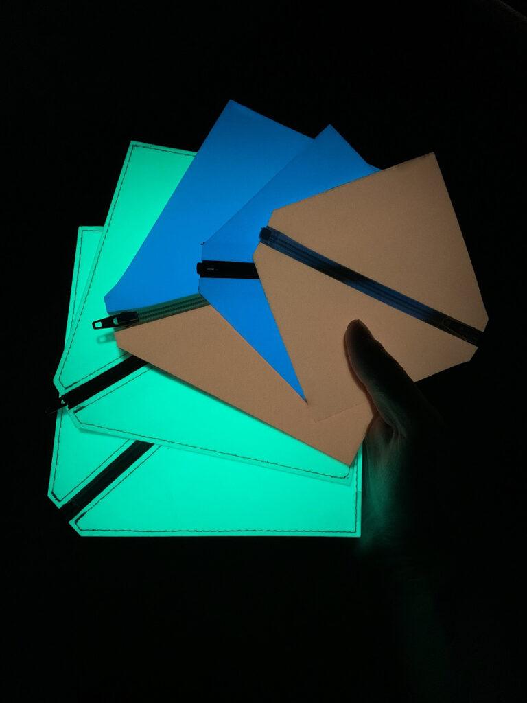緑、青、赤といった色のバリエーションがあります。