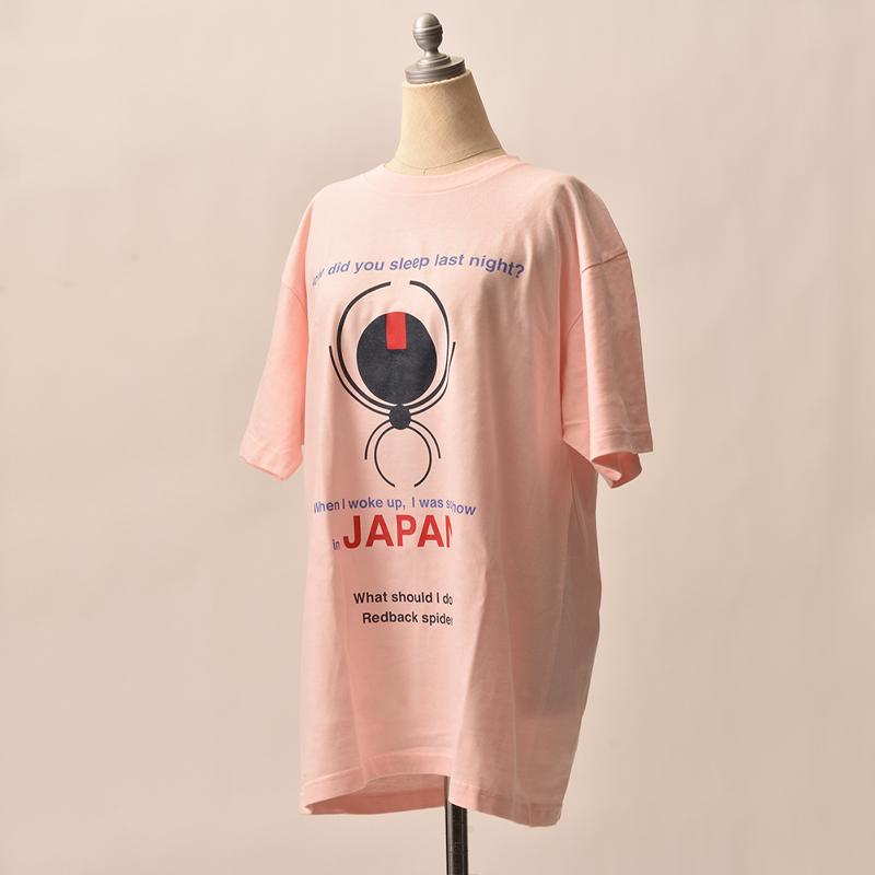 セアカゴケグモのデザインTシャツ。
