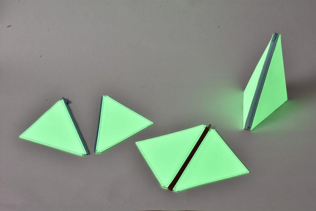 蓄光を使用した簡易照明です。