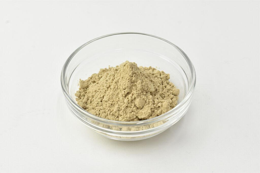 コオロギのパウダーにはクセが少なく、料理に使ったり、プロテインに混ぜて飲んだりもしていただけます。